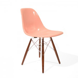 Eames DSW Pink