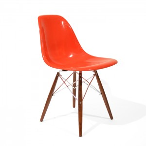 Eames DSW Red