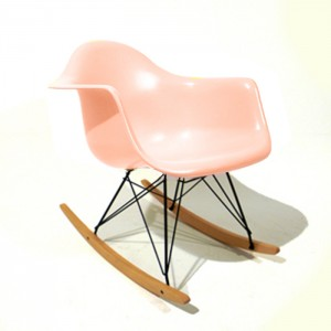 Eames rocking chair pink
