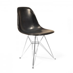 Eames Side shell Chrome Eiffel Base Black