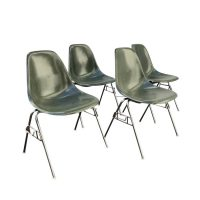 Set DSS Fiberglass Stacking Chairs, Ray & Charles Eames