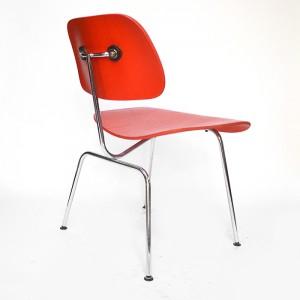 DCM Tafelstoel Rood Door Charles & Ray Eames
