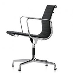 EA 107 Herstofferen - Charles & Ray Eames