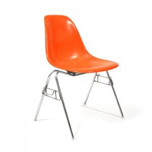 kuipstoelen door Charles & Ray Eames