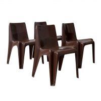 Set van vier bruine plastic stapelstoelen Model B 1171